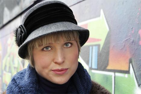 Jenny med grå hatt