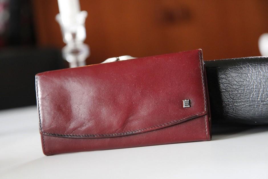 röd-plånbok-vintage