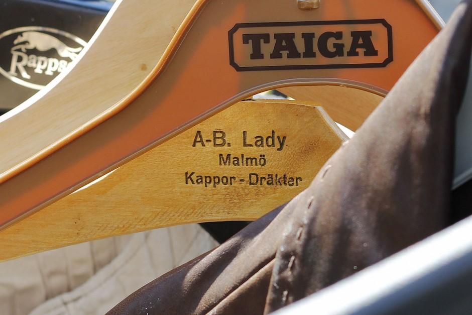 a-b-lady