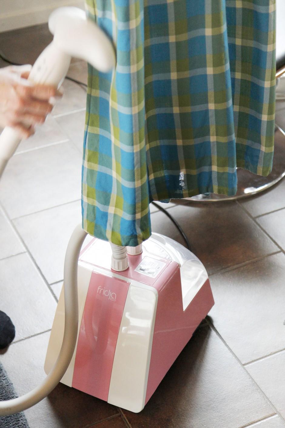 fridja-rosa-klädångare-kläder