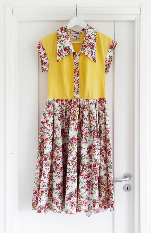 blommig-klänning-vintage
