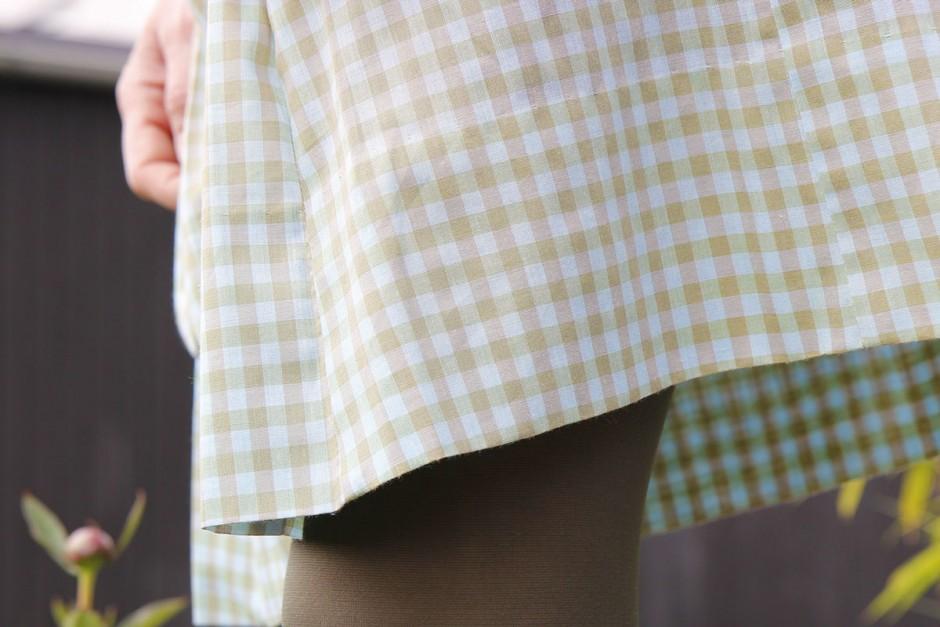 rutigt-tyg-klänning