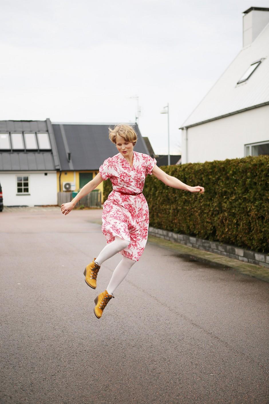 jenny hoppar högt