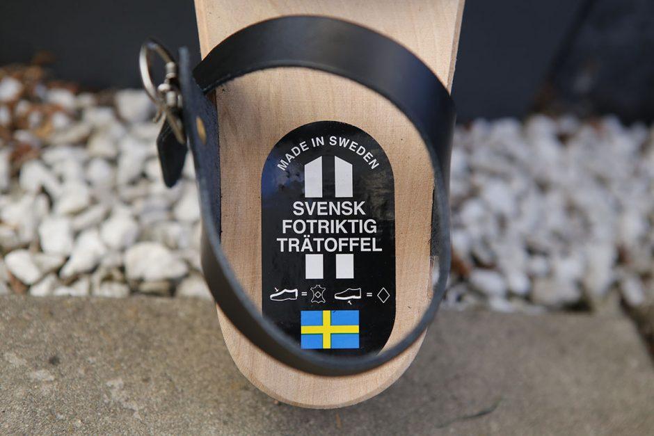 svensk fotriktig trätoffel