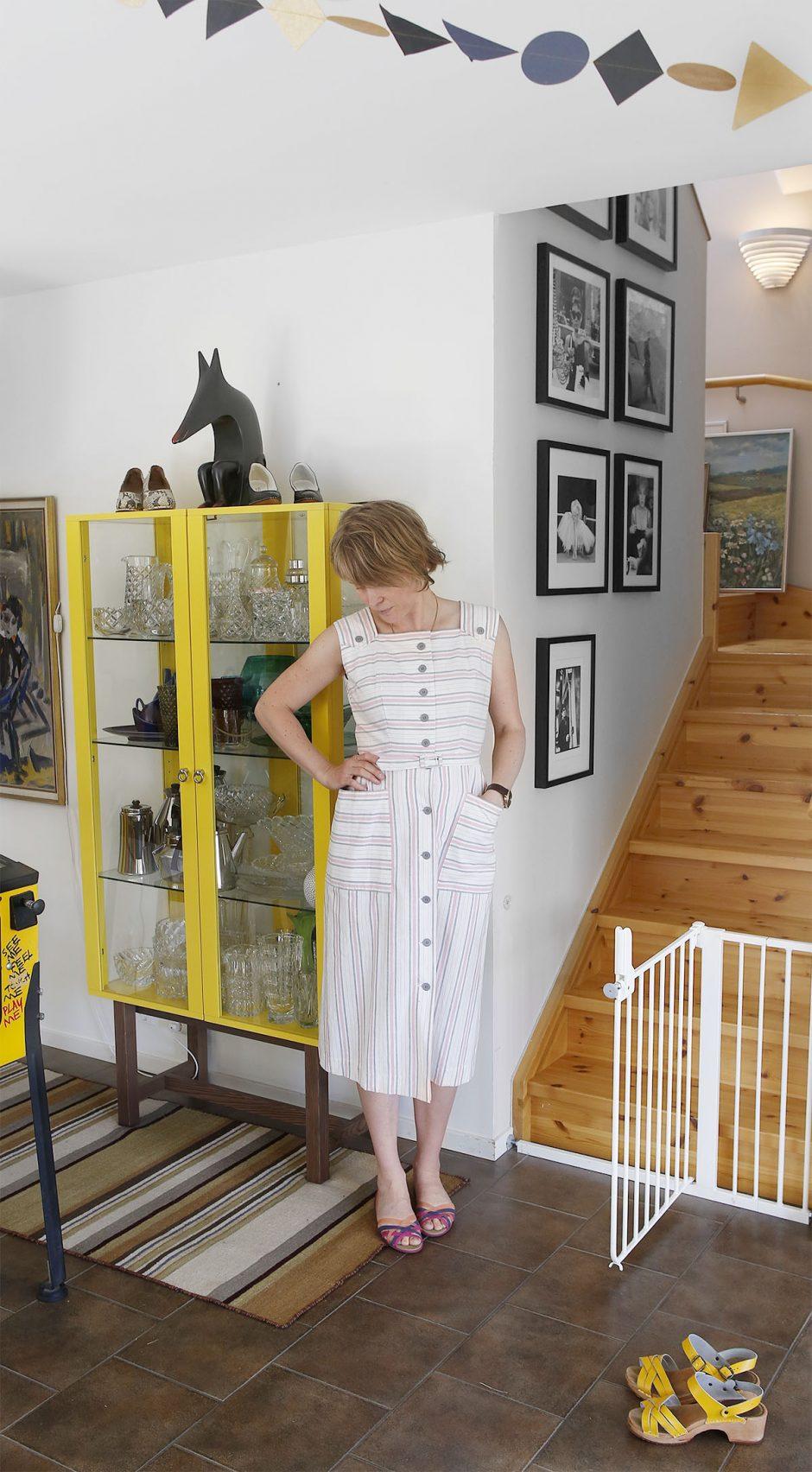 vintageklänning från butik gul