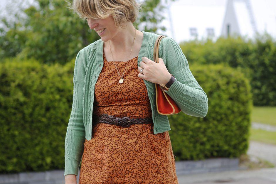 kofta och vintageklänning