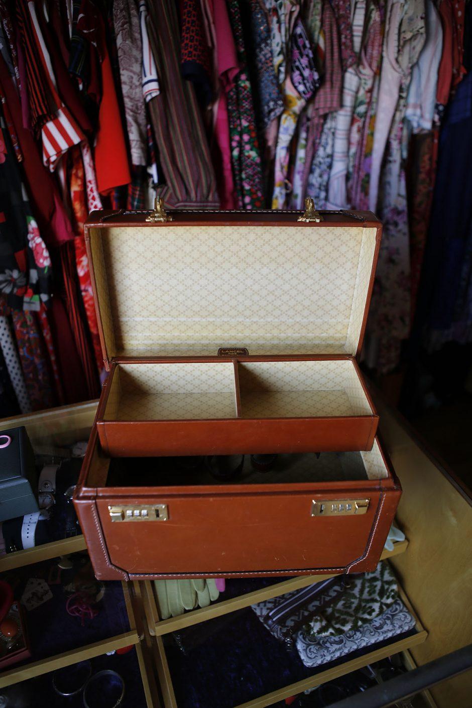 open vanity box lancel